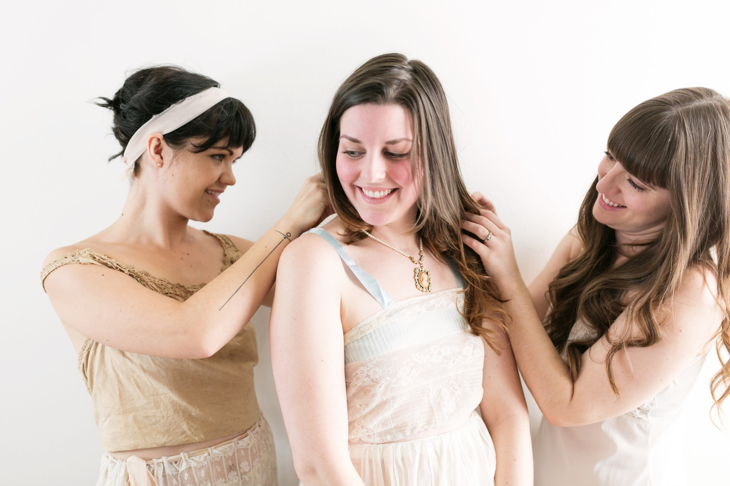 Valentines Bride and Her Bridesmaids  Styled Session  Hurtienne Photography  Portland Oregon Wedding Photographers (6)
