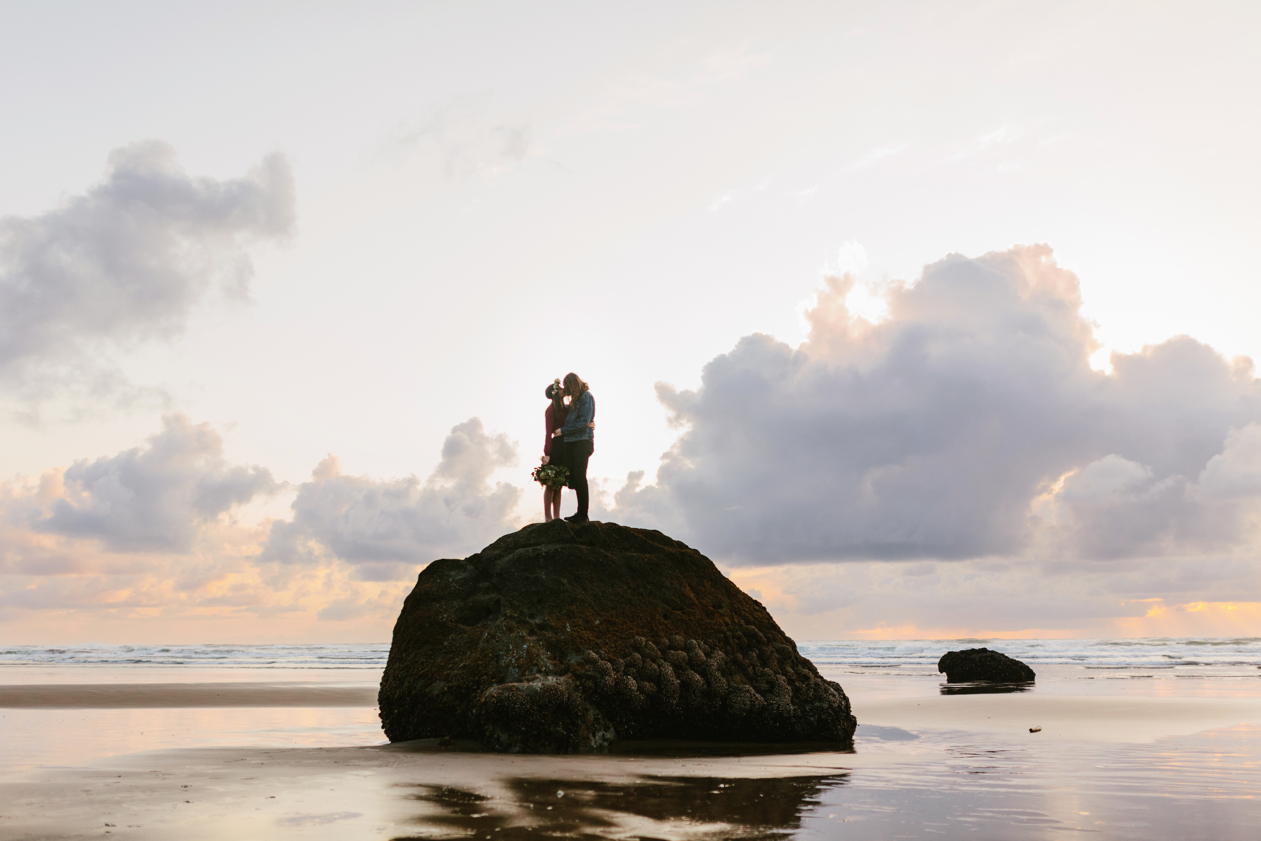 Lauren and Patrick, Oregon Coast Cannon Beach, Oregon Engagement Session, Grace and Jaden Hurtienne Photography (20)