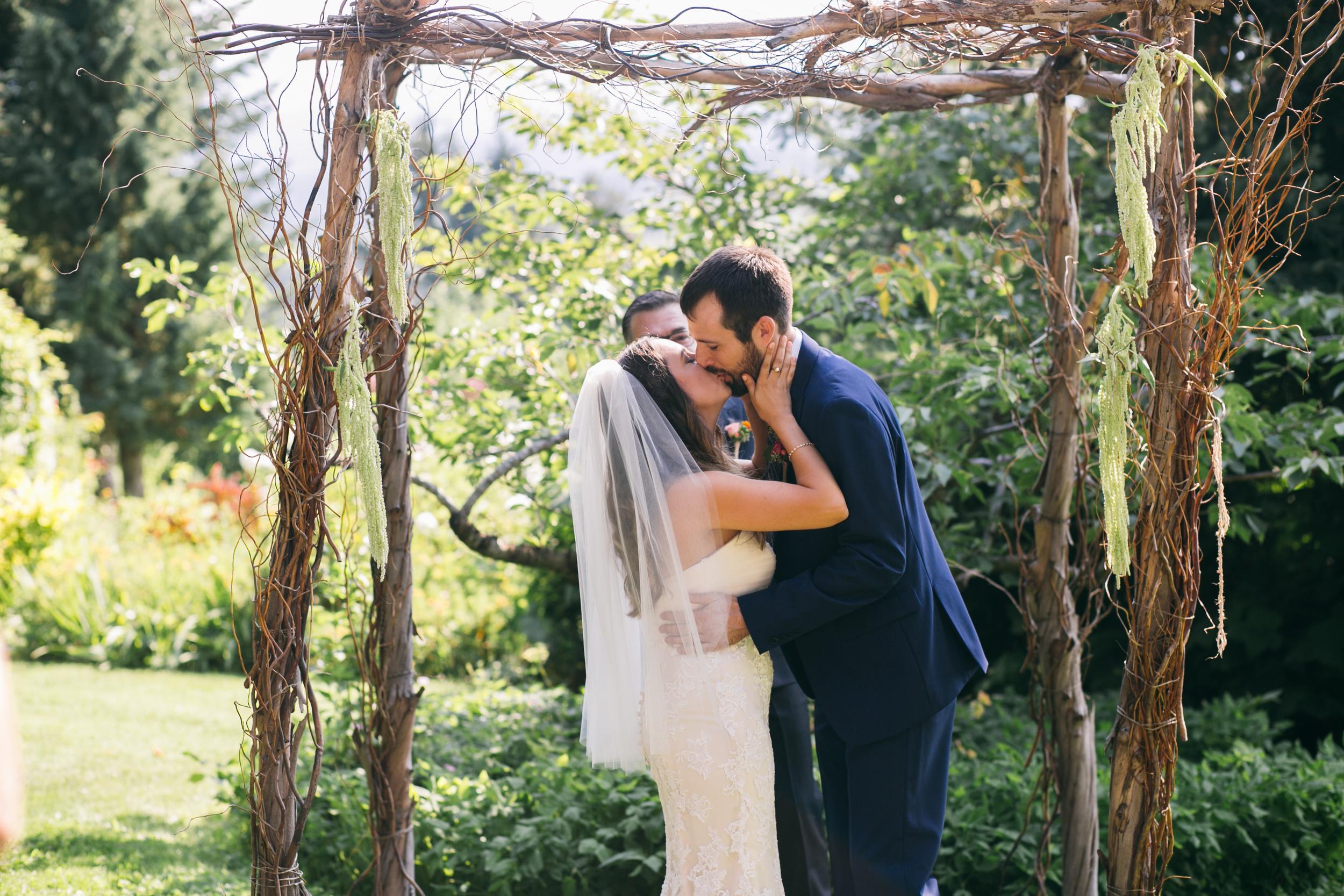 Sarah and Ben- Mt Hood Organic Farms, Portland  Oregon Wedding- Grace and Jaden Photography (304).jpg