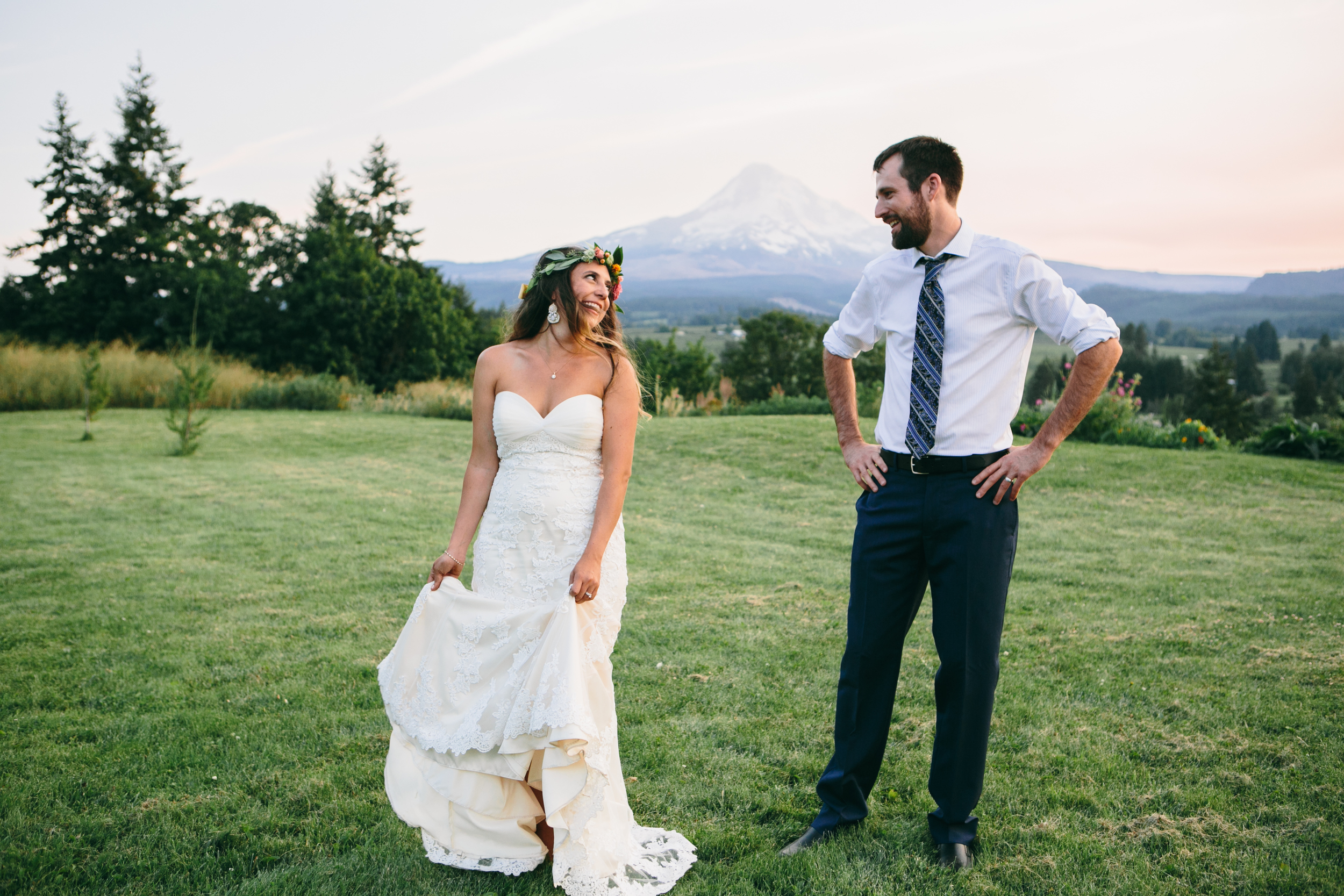 Sarah and Ben- Mt Hood Organic Farms, Portland  Oregon Wedding- Grace and Jaden Photography (604).jpg