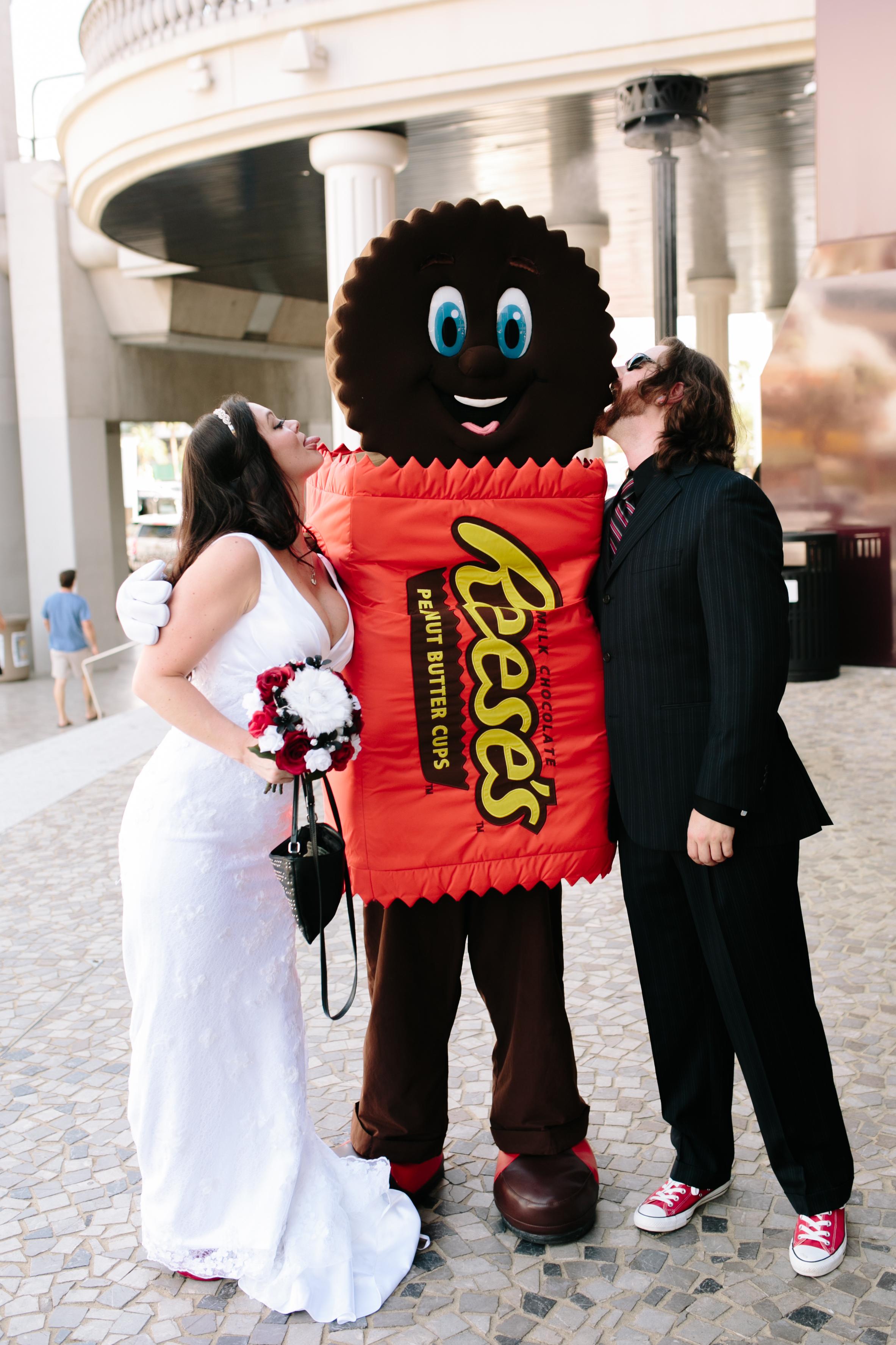 Las Vegas Wedding Photos  Nevada Photographer (21).jpg