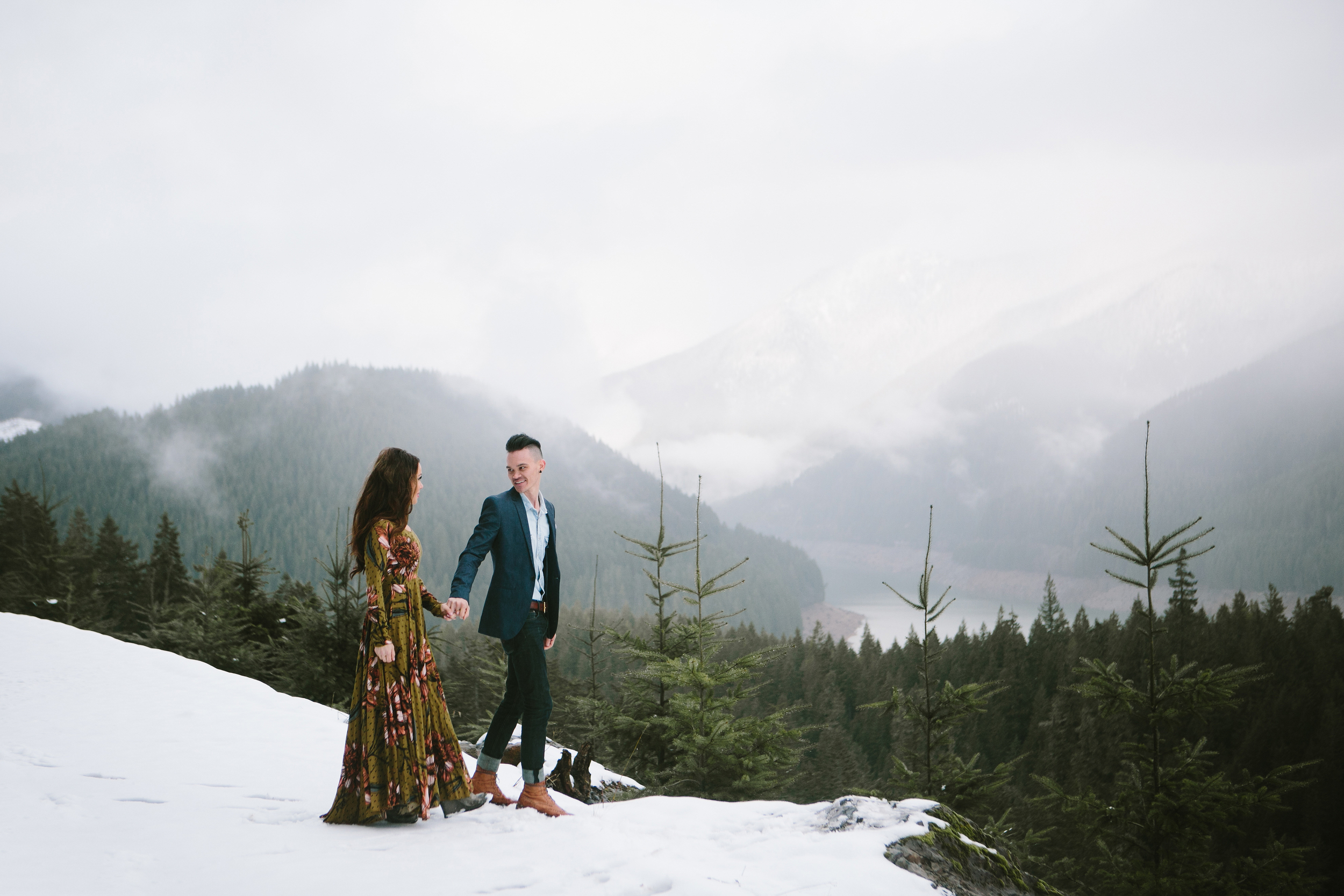 Portland Oregon Engagement Photgraphy- Detroit Lake (17).jpg