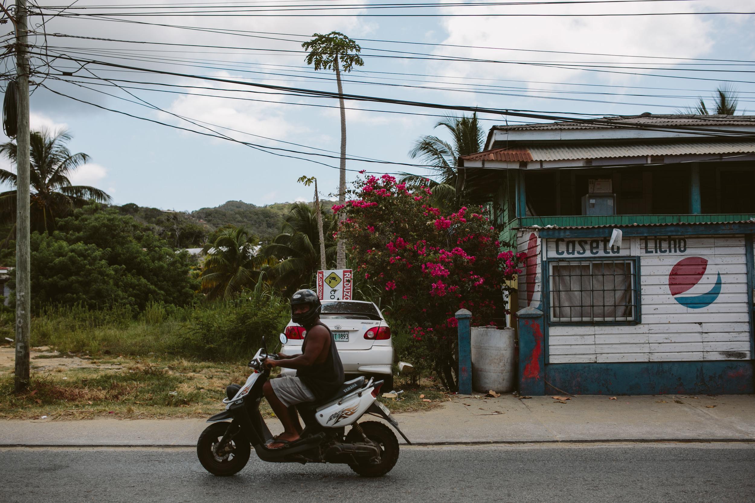 Roatan Honduras- Grace and Jaden Photography (31).jpg