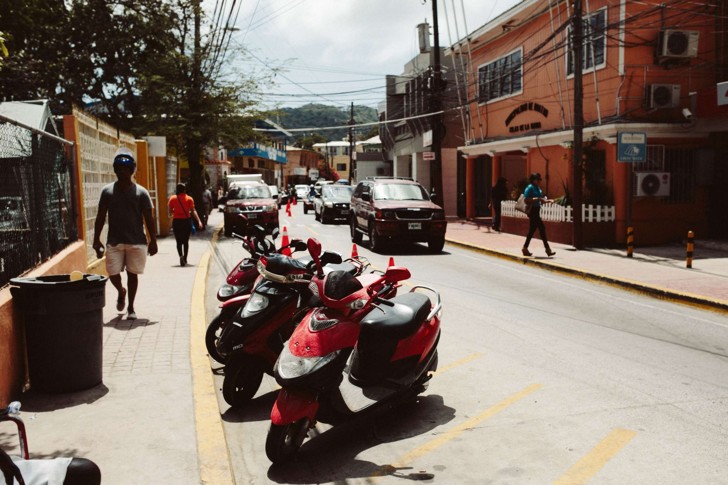 Roatan Honduras- Grace and Jaden Photography (33).jpg