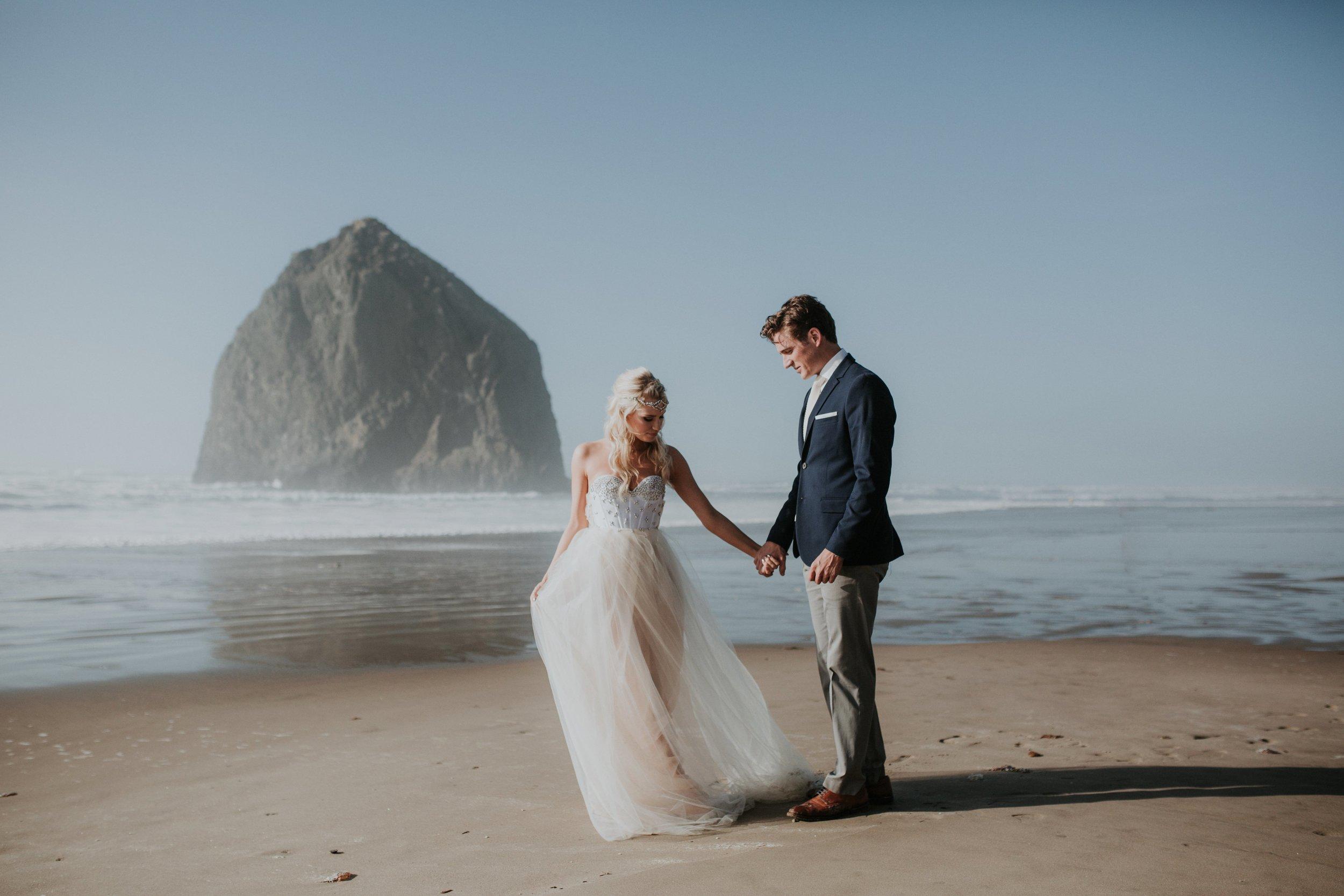 Cannon Beach Oregon Elopement- Grace and Jaden Photography (7)(1).jpg