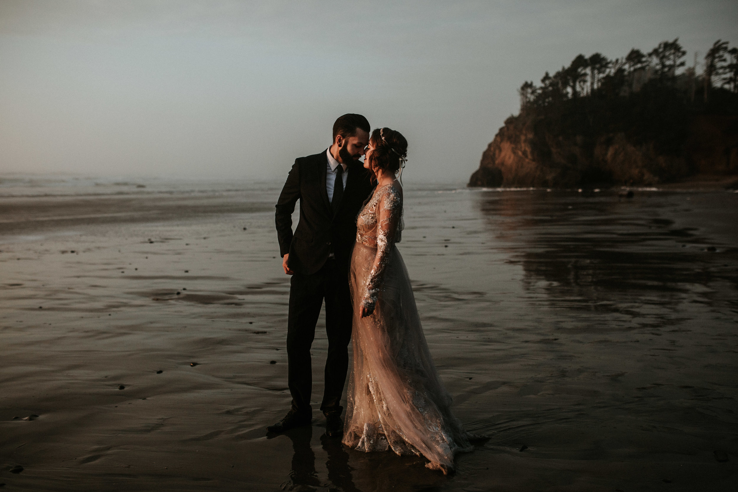 Grace and Jaden Photography- Best Places to Elope in Oregon- Hug Point (3) .jpg