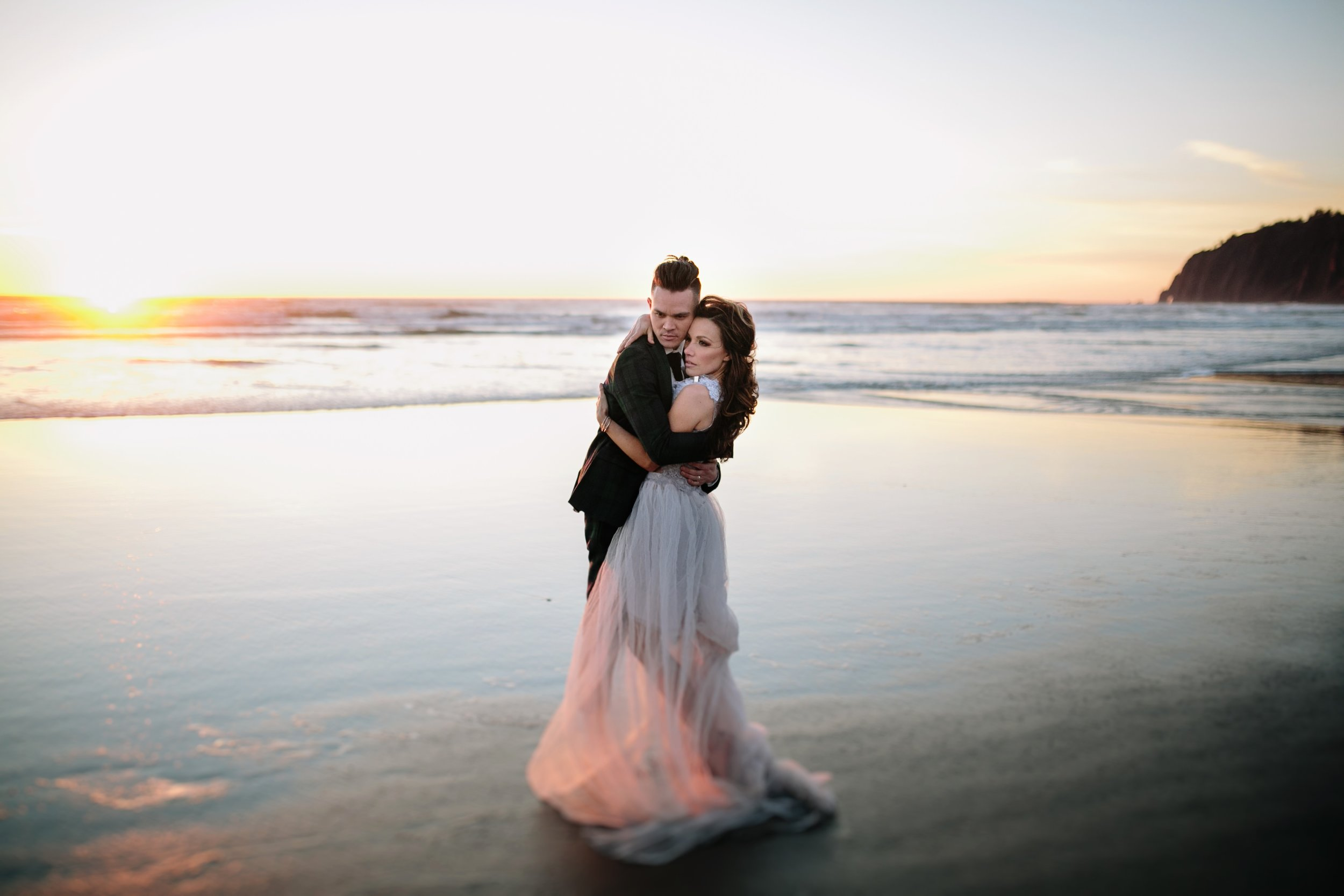 Best Places to Elope In Oregon- Manzanita Beach (3)1.jpg