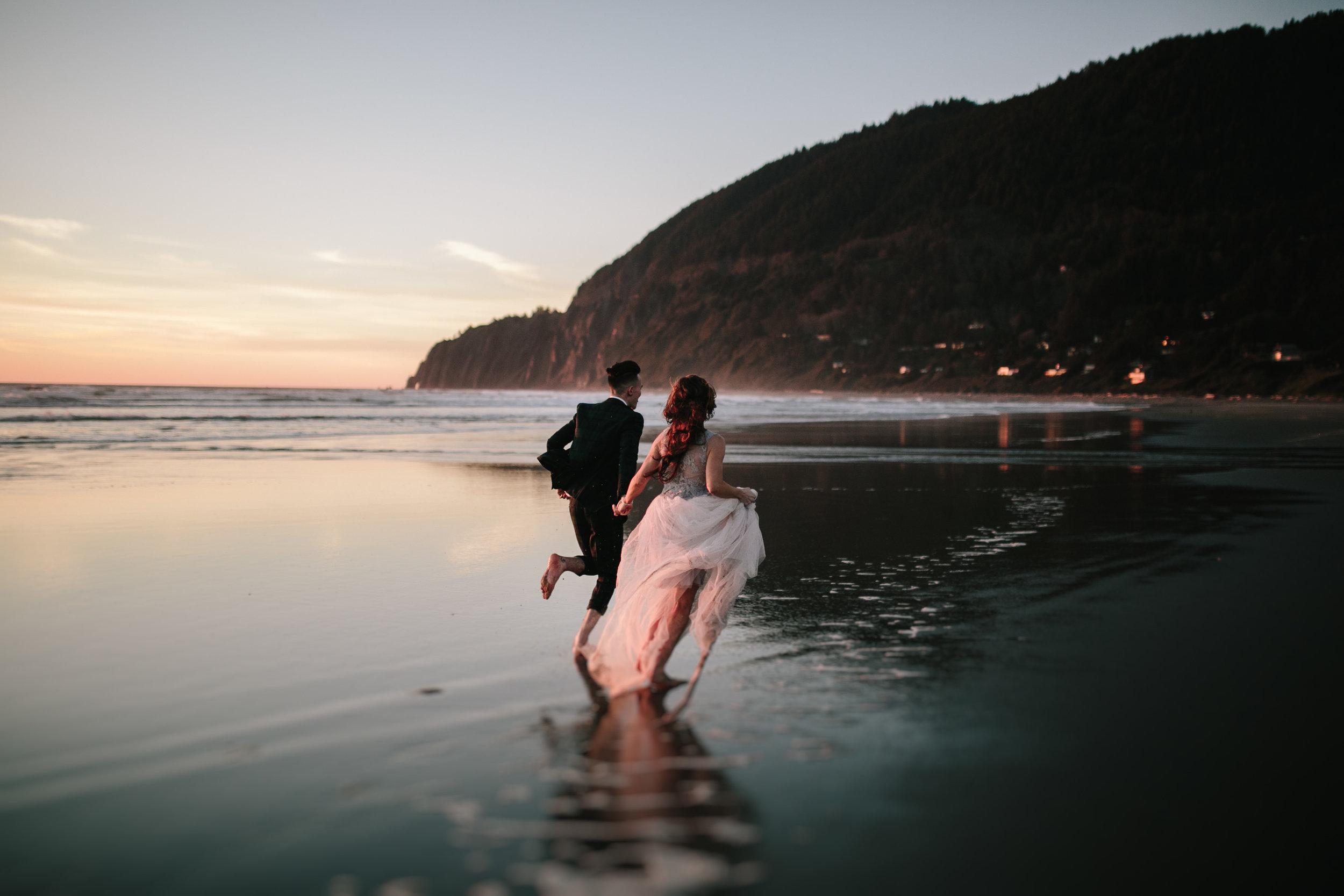 Best Places to Elope In Oregon- Manzanita Beach (2)1.jpg