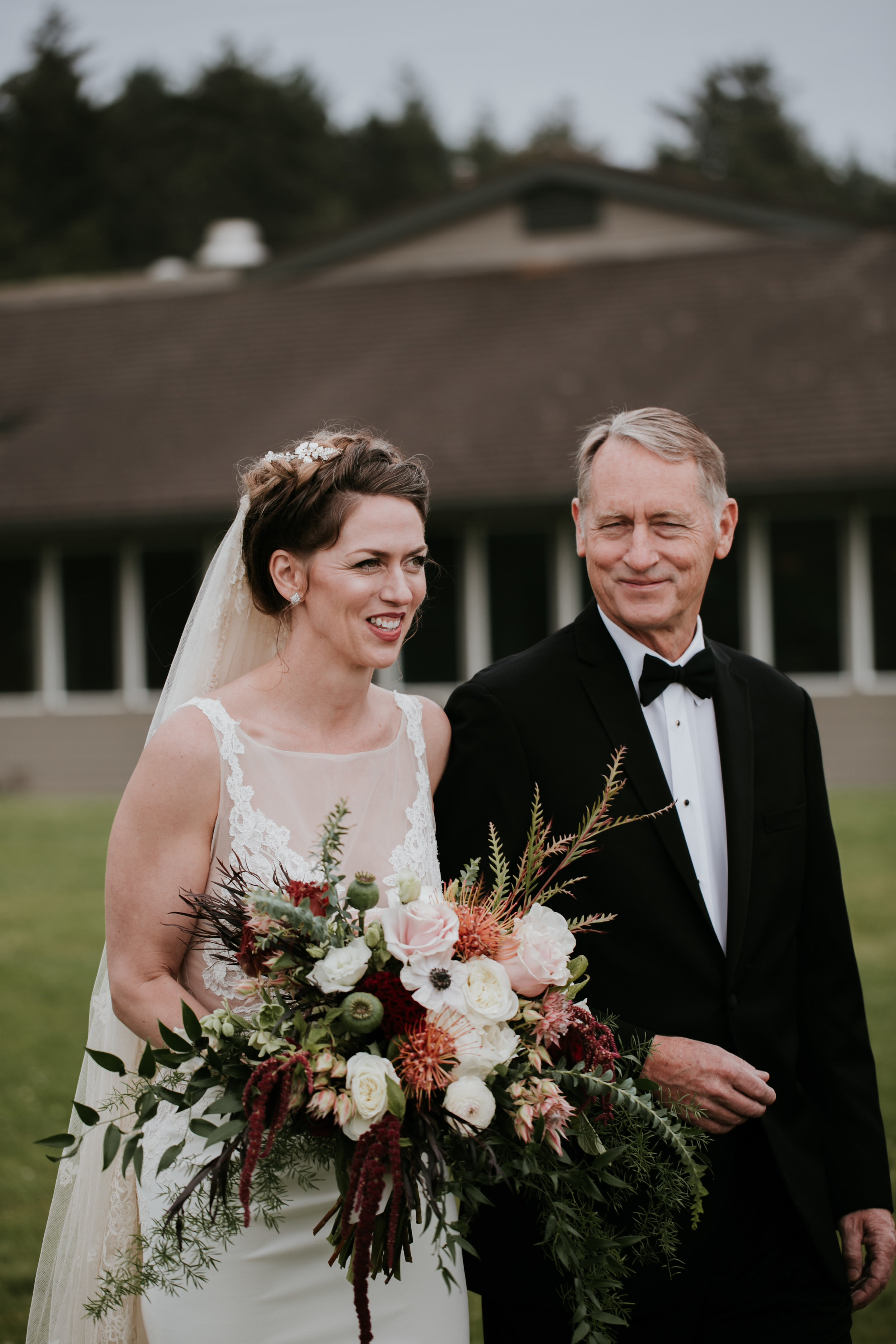 Oregon Coast Wedding- Grace and Jaden Photography (76).jpg