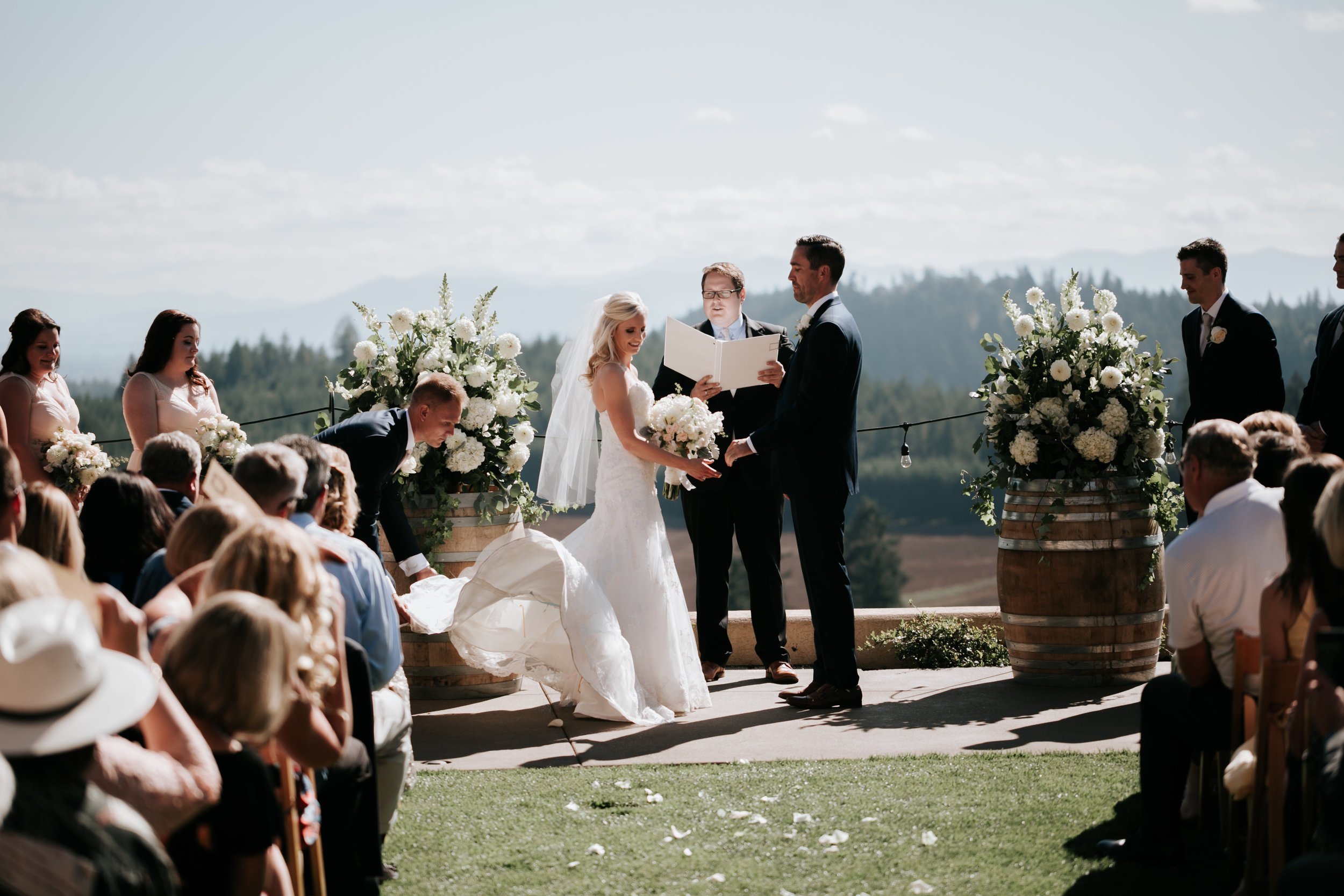 Willamatte Valley Vineyard Wedding- Grace and Jaden Photography (37).jpg
