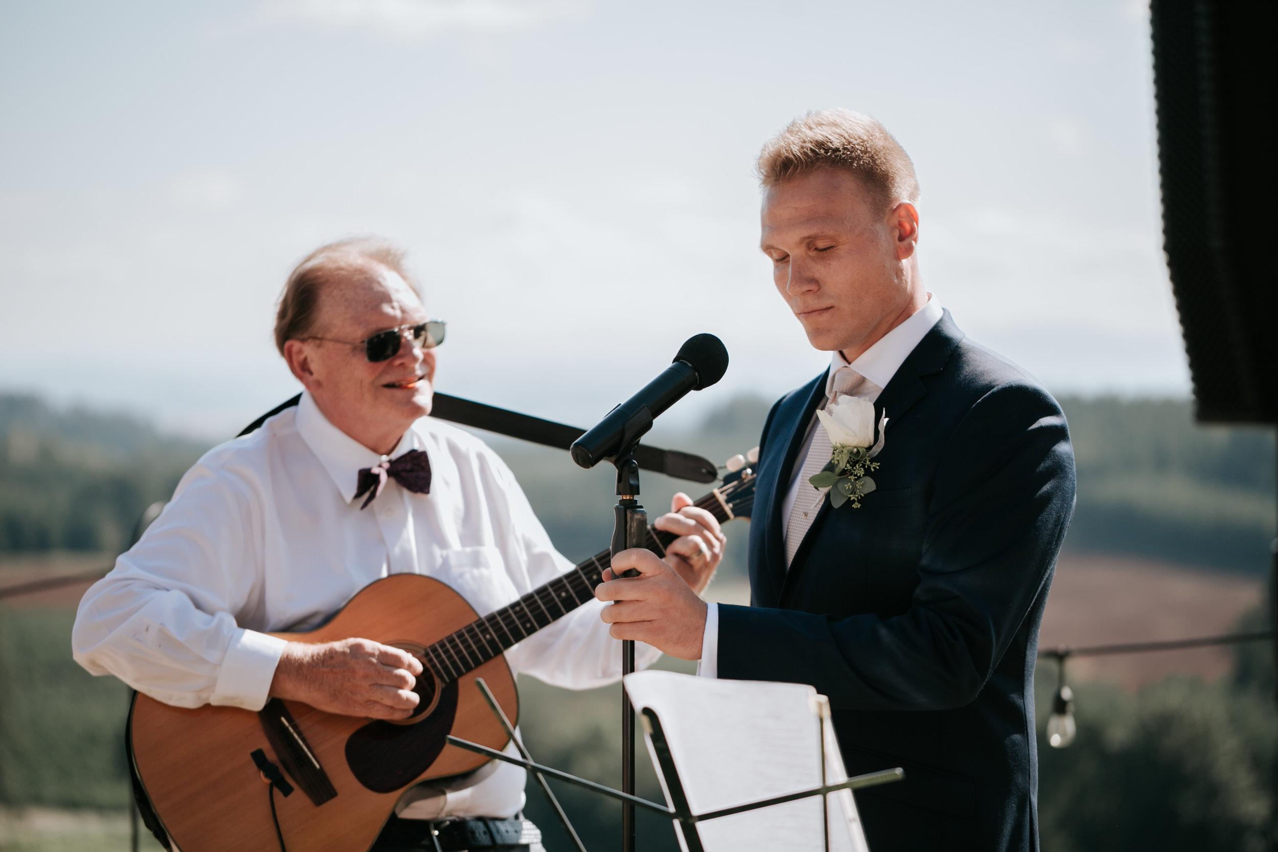 Willamatte Valley Vineyard Wedding- Grace and Jaden Photography (40).jpg