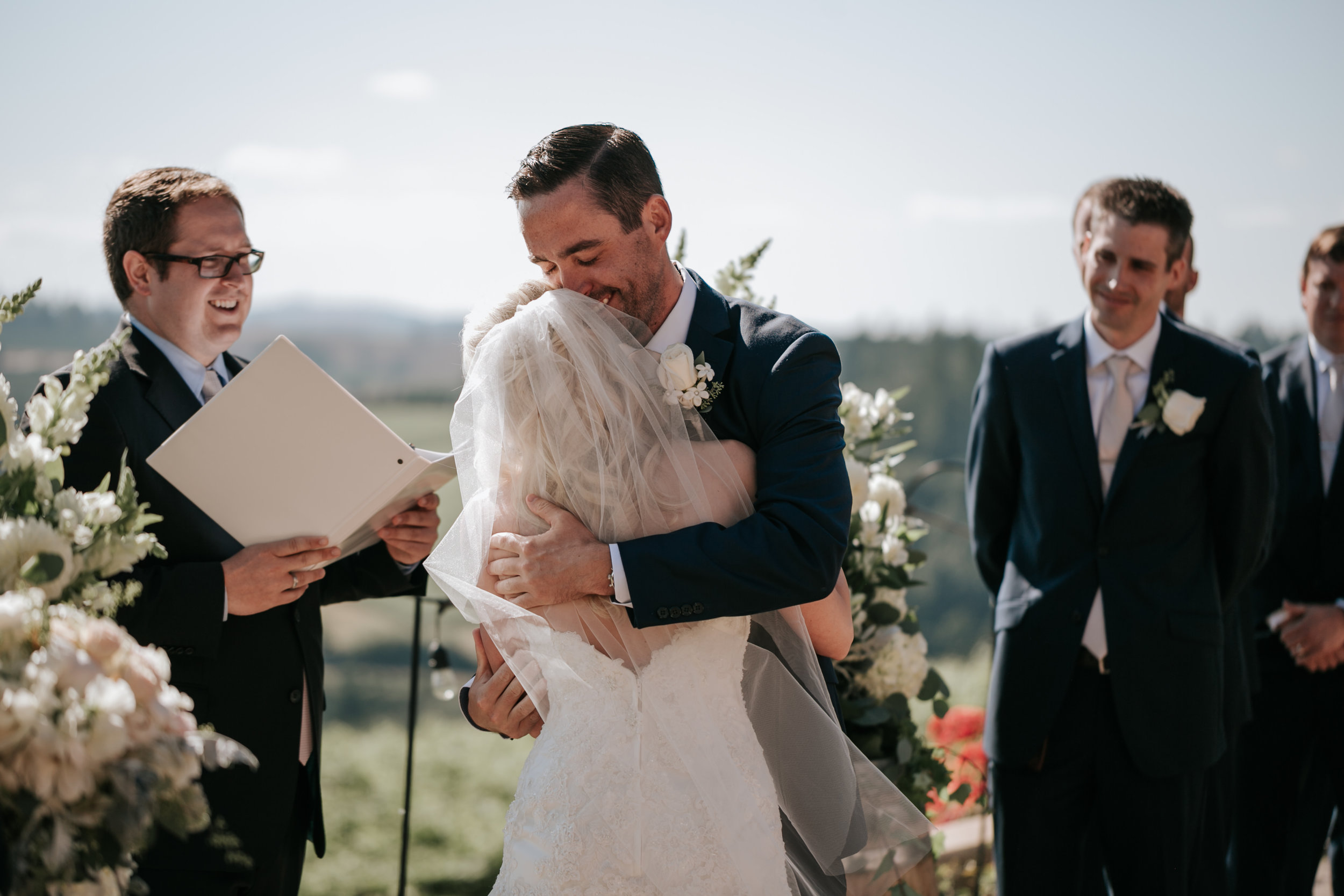 Willamatte Valley Vineyard Wedding- Grace and Jaden Photography (41).jpg