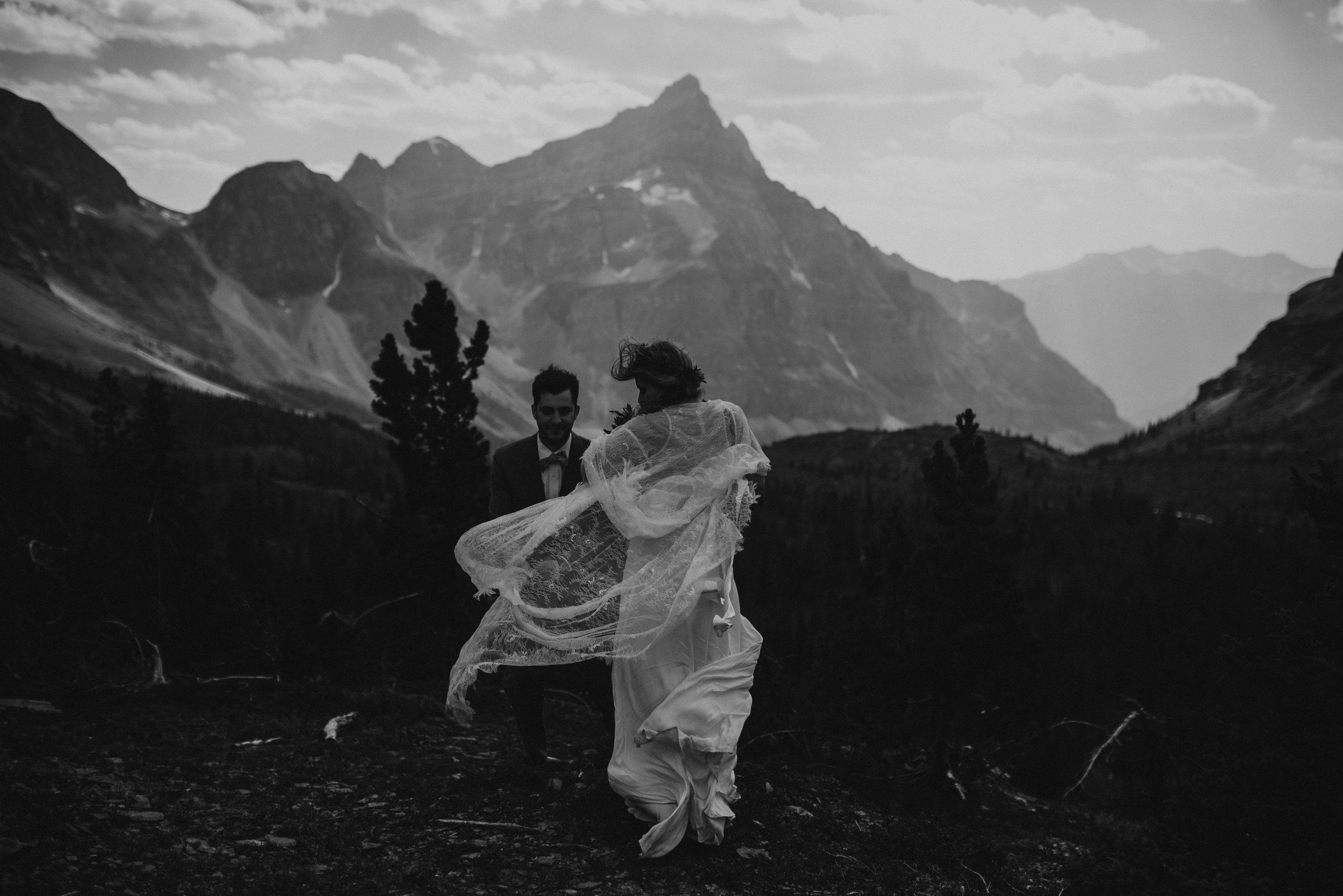 Banff National Park, Alberta Canada Elopement - Grace and Jaden Photography (65).jpg