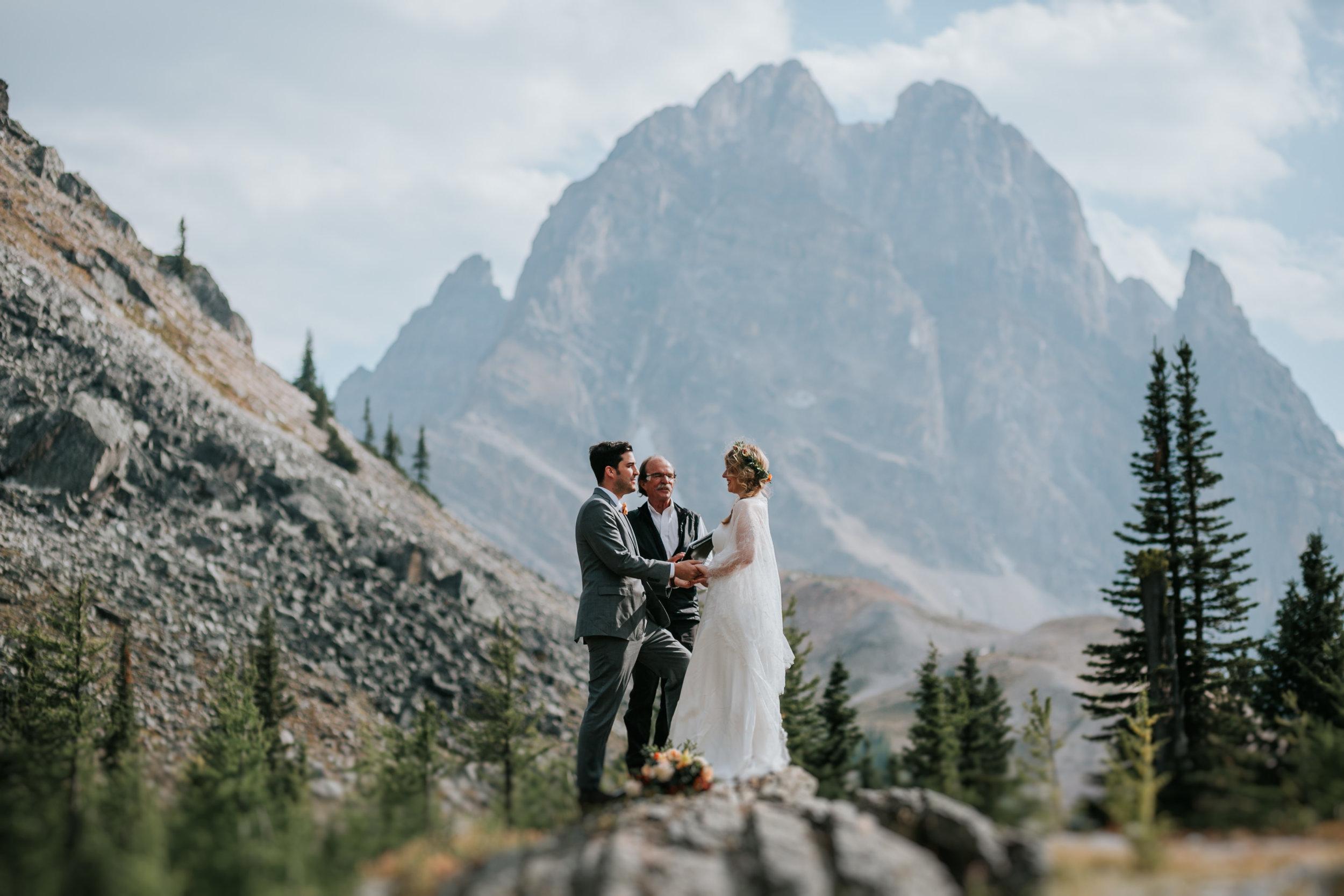 Banff National Park, Alberta Canada Elopement - Grace and Jaden Photography (91).jpg