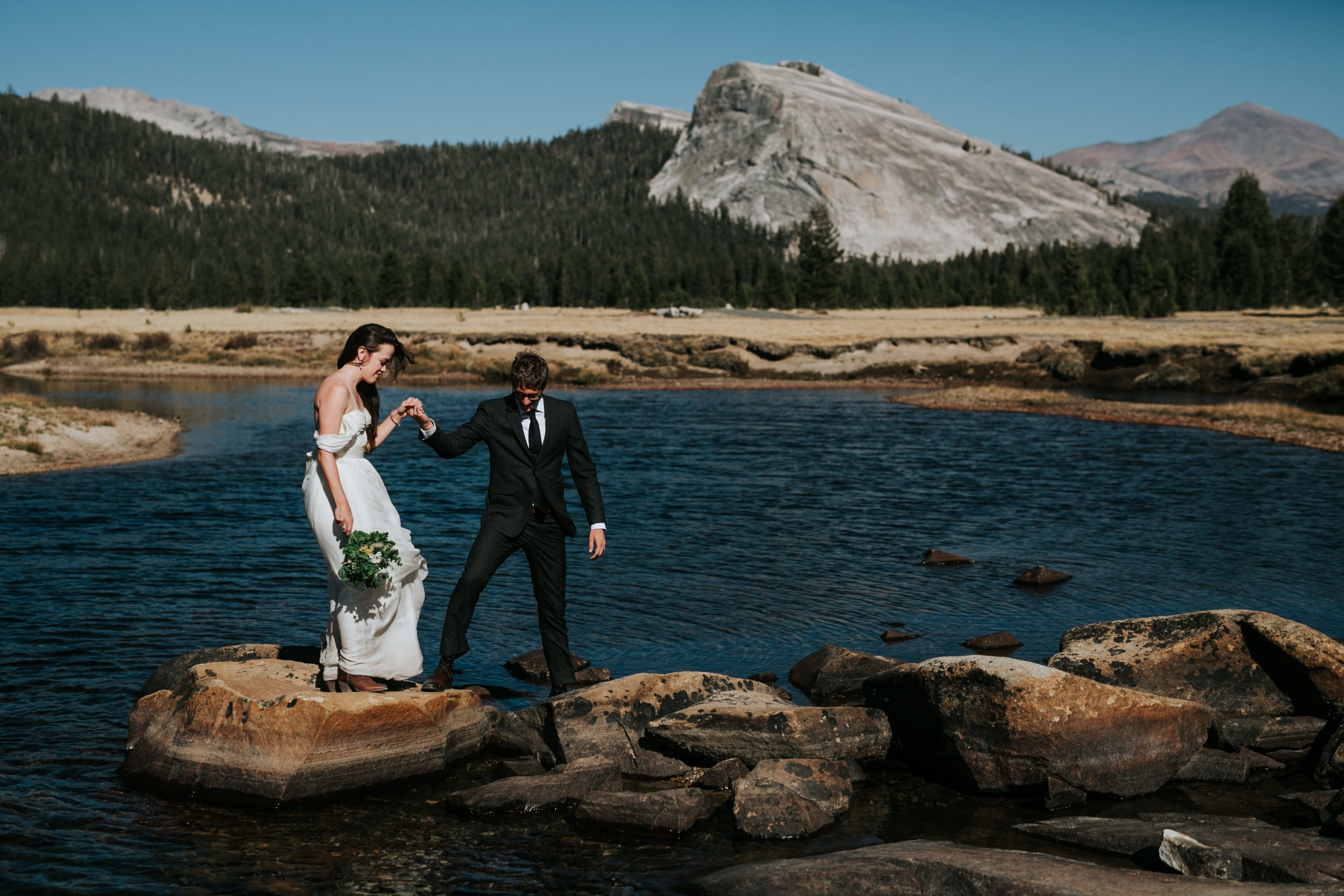 Yosemite Elopement, California Wedding- Grace and Jaden Photography- Shannon and Ian (9).jpg
