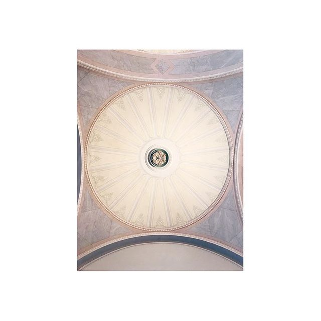 dreamy ⚪️ don't forget to look up ⚪️ #nationalmuseum #stockholm #dreamy #ceiling #architecture #love