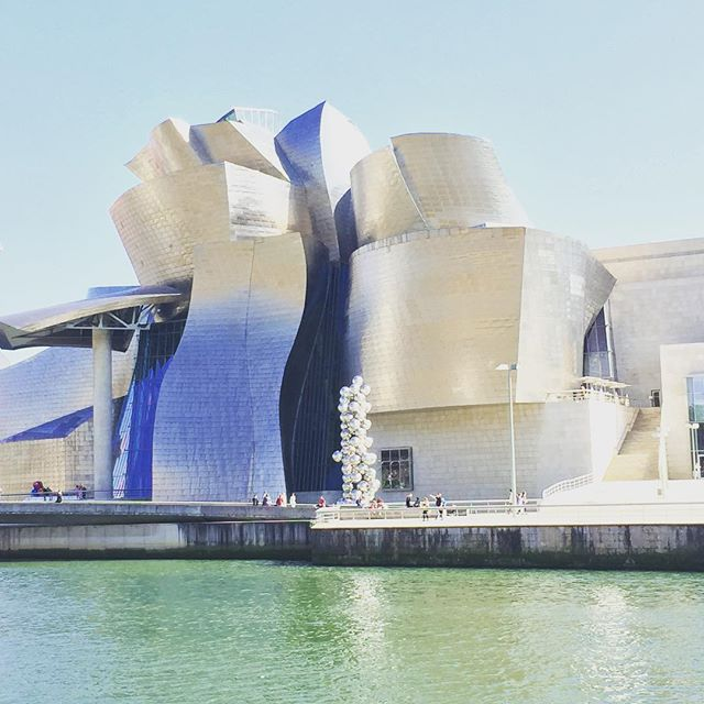 So glad we didn't miss this #beautiful #museum in #bilbao. #travel #spain #expatlife