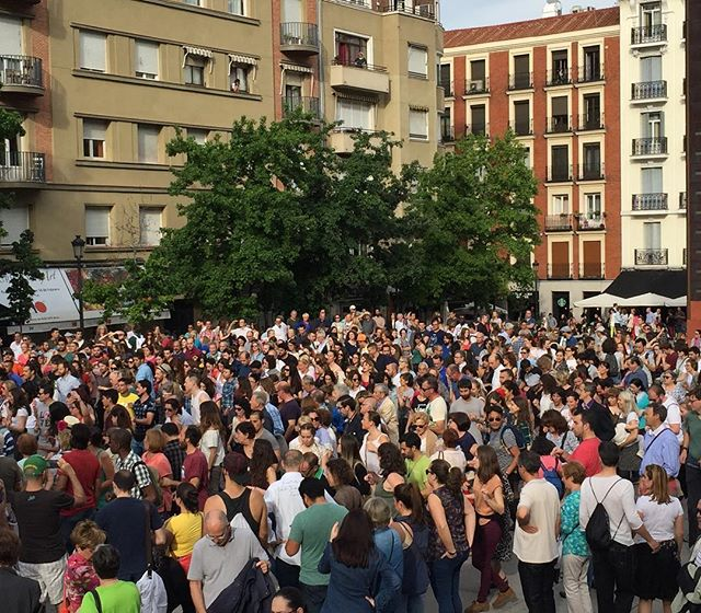 When your whole neighborhood busts out dancing... #Madrid #expatlife