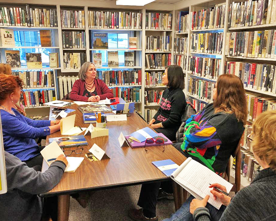 Nancy Kessler (center) leading a Memoir Writing class.