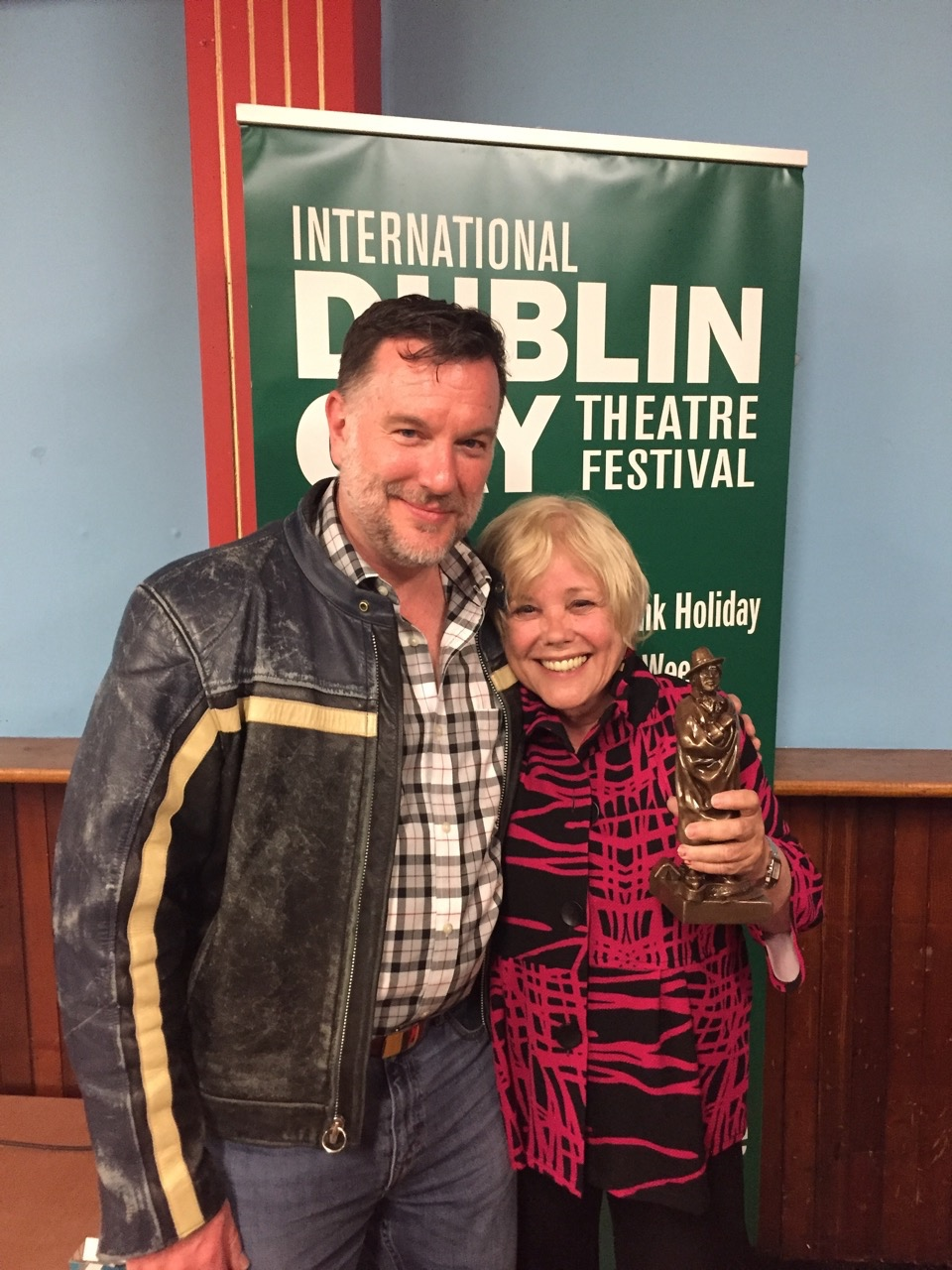 """Lynda winning her """"Oscar"""" for Best Actress at the Dublin Gay Theatre Festival"""