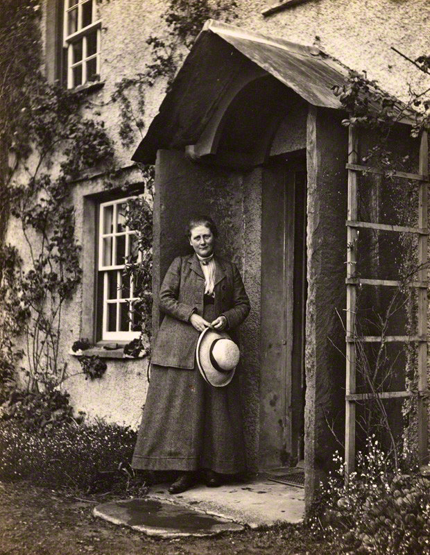 Beatrix Potter -By Charles G.Y. King (1854-1937) [Public domain], via Wikimedia Commons, PD-US