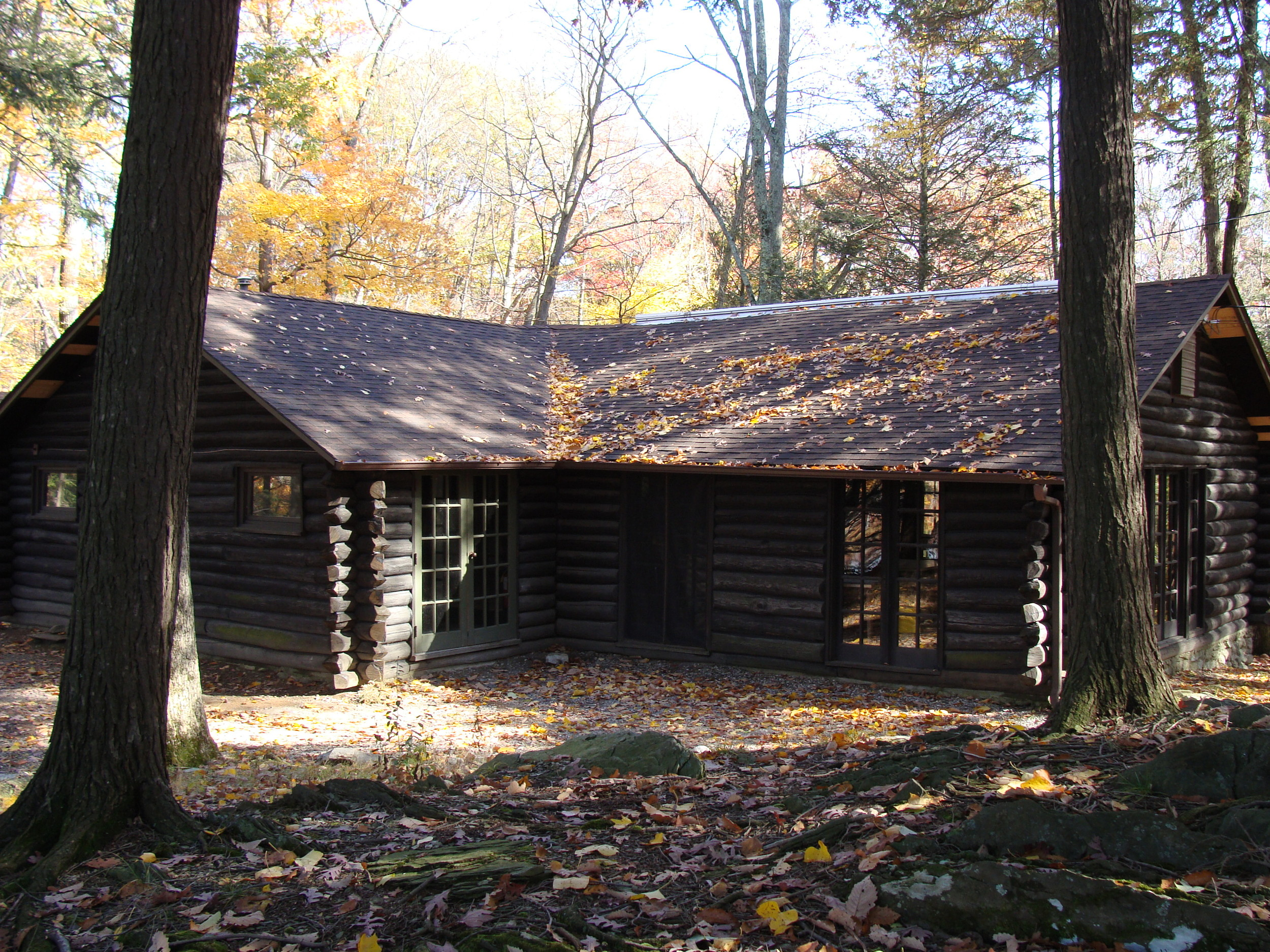 Hunt Lodge Outside.JPG