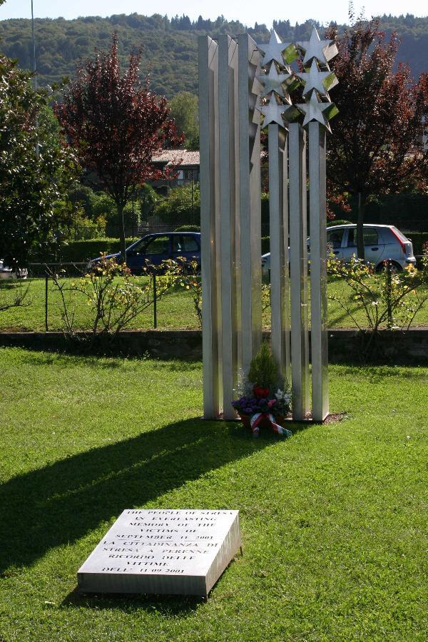 """Monumento """"Torri Gemelle"""" - Stresa, Italy"""
