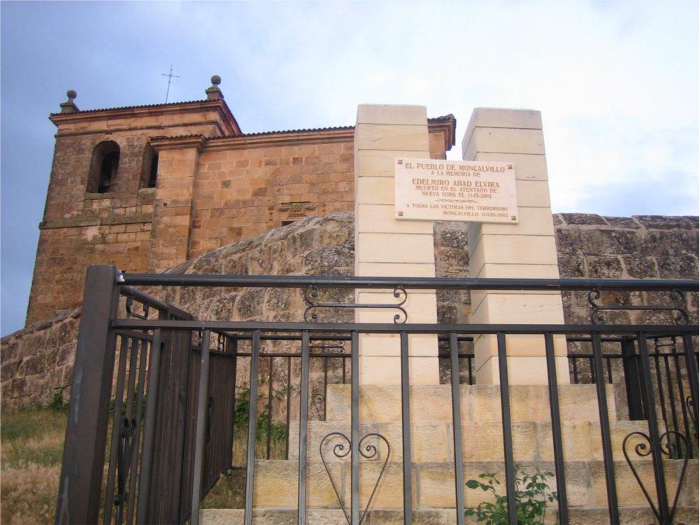 Moncalvillo Memorial to Edelmiro Abad Elvira - Moncalvillo de la Sierra, Spain