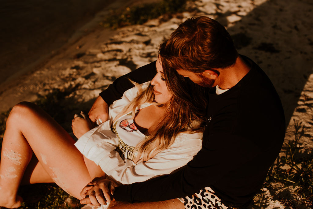 Couples photo tips for your engagement session.