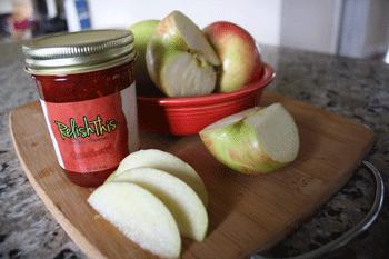 apples_RelishThisstrawberry_preserves.png