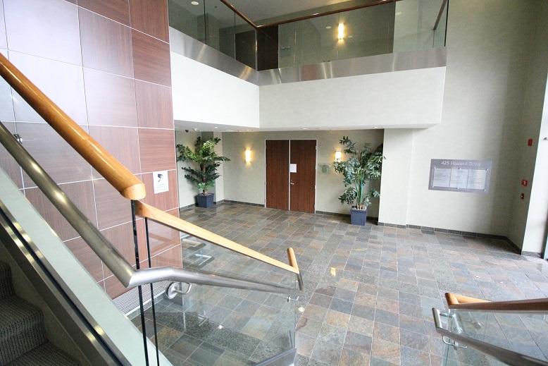 Thousand Oaks Medical Office for Lease - 425 Lobby 2.jpg