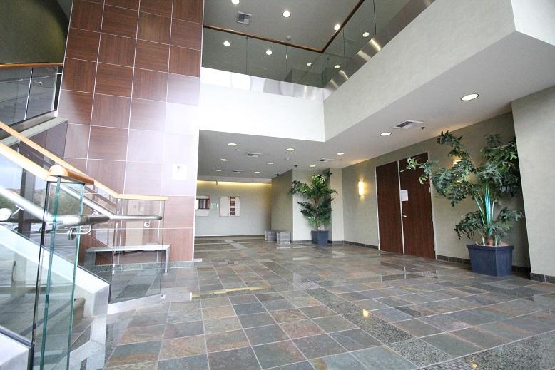 Thousand Oaks Medical Office for Lease - 425 Lobby 4.jpg