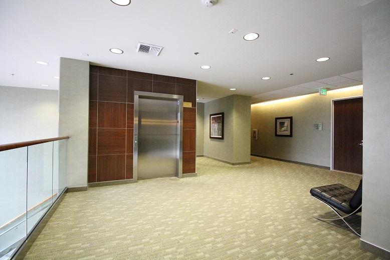Thousand Oaks Medical Office for Lease - 425 Lobby Upstairs 4.jpg