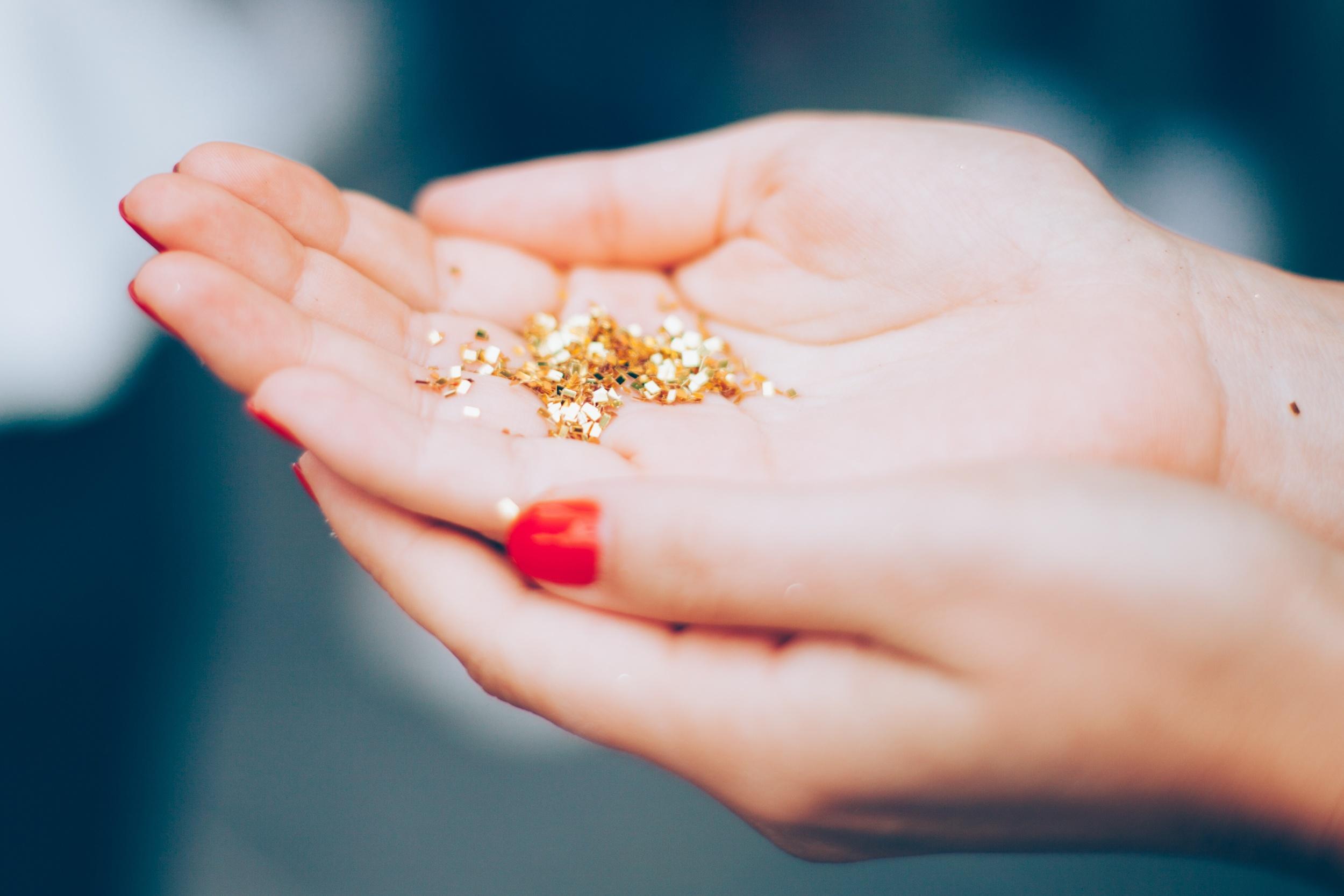 Make like glitter and get everywhere!