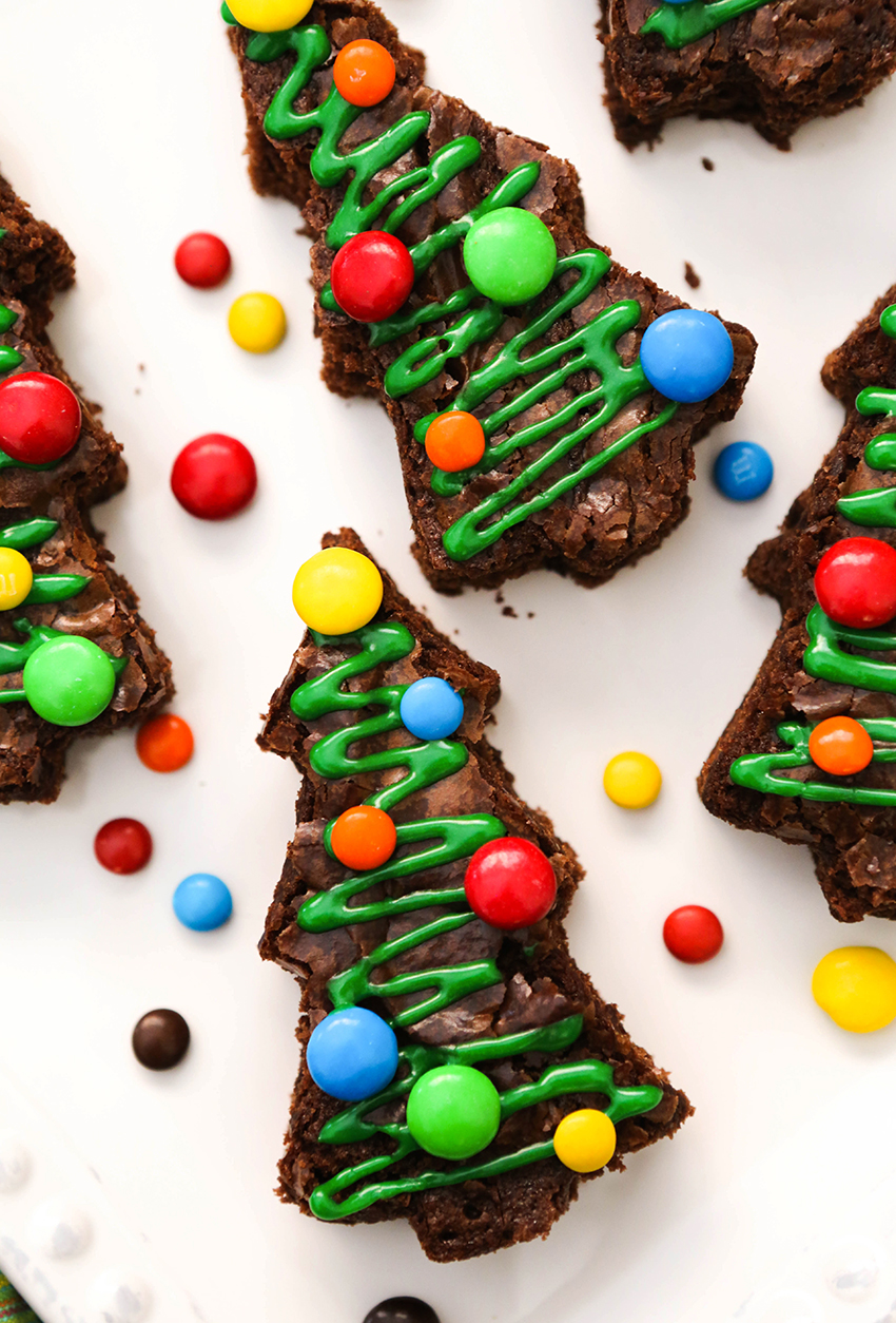 christmas tree brownies decorated with M&M's