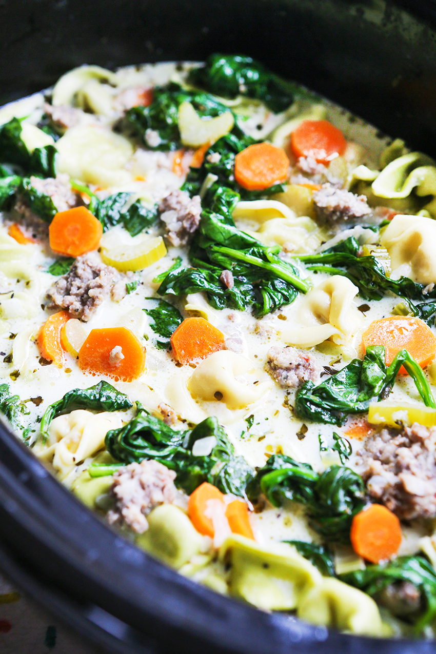tortellini and spinach soup in a slow cooker