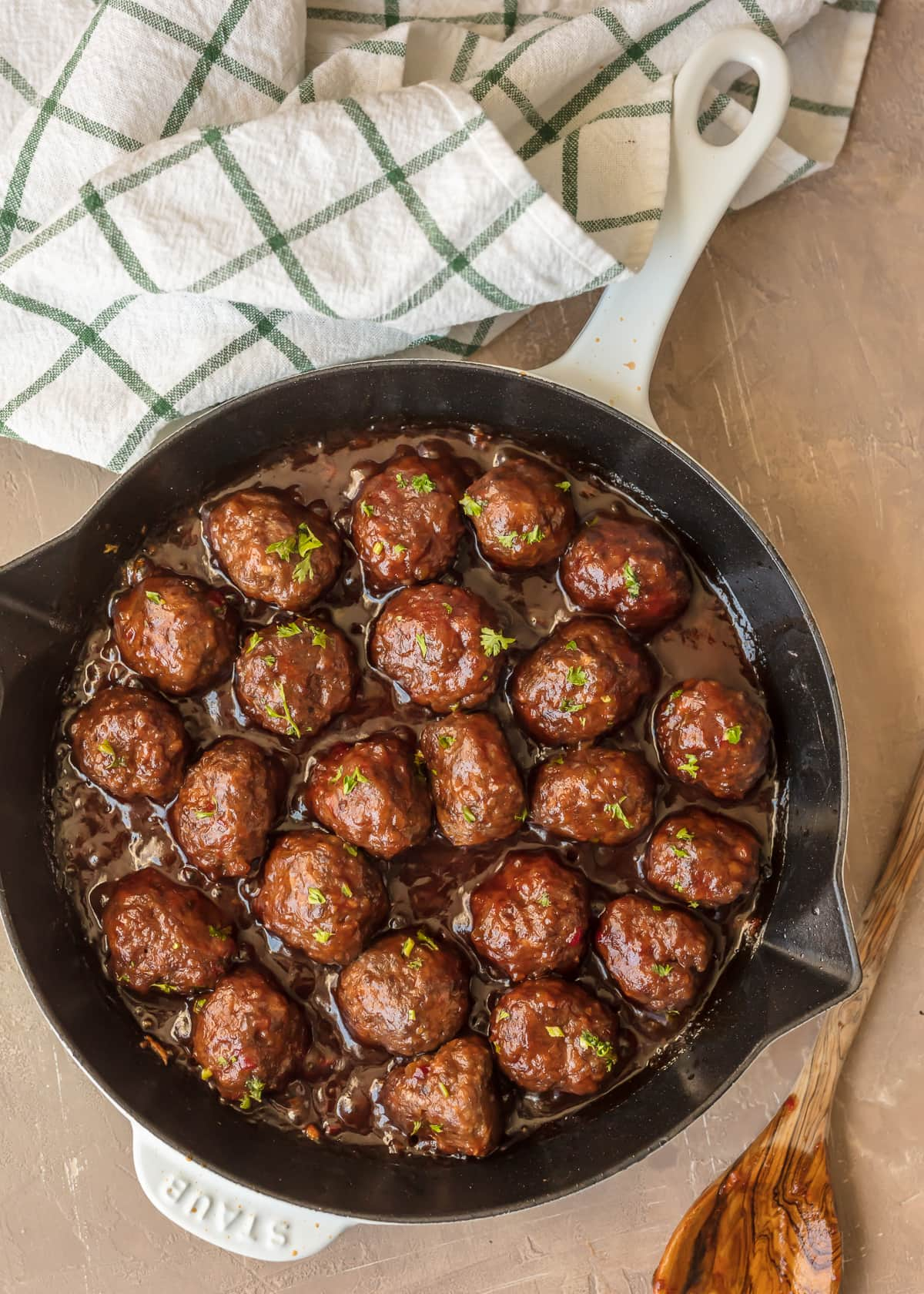 sweet-and-spicy-cranberry-cocktail-meatballs.jpg