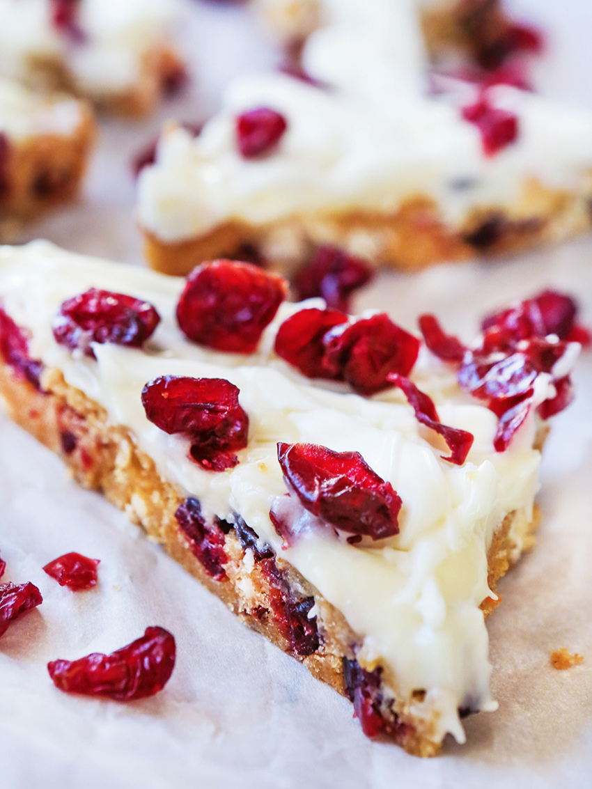 a close up of cranberry bliss bars