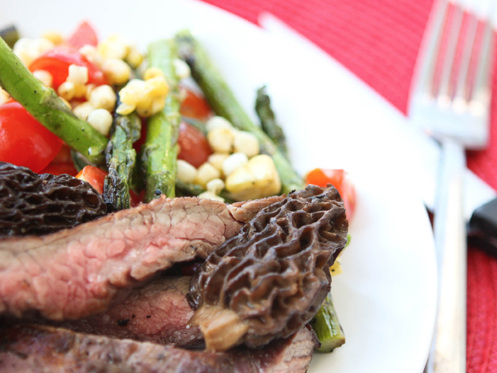 Grilled Flank Steak with Asparagus and Tomatoes