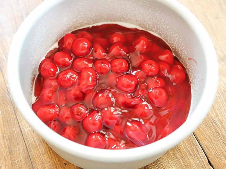 Cherries in round pan