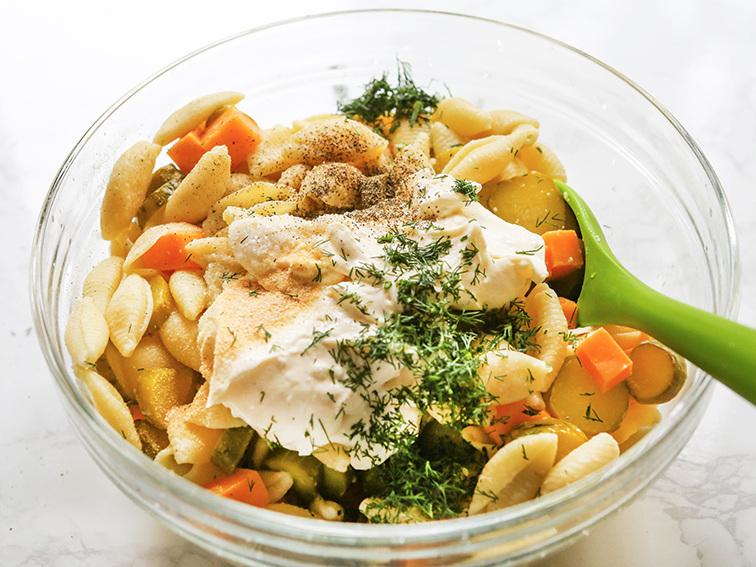 Delicious Dill Pickle Pasta Salad Recipe