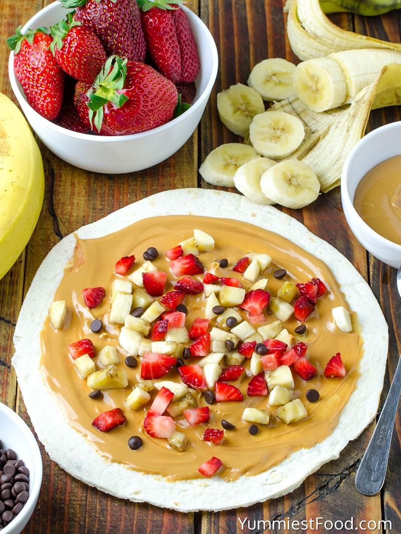Healthy-Peanut-Butter-Strawberry-Banana-Wrap-yummiestfood.jpg