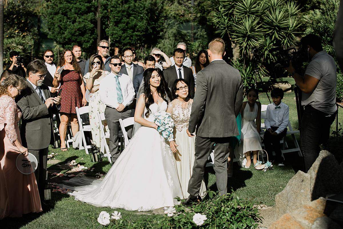 kristine_robert_wedding059a.jpg