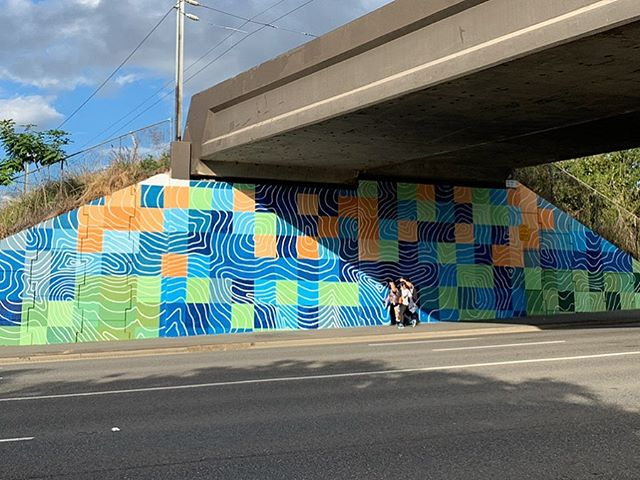 Thanks to @brisbanecitycouncil for letting me paint another pixel mapping work in Queensland. Felt like this bridge was in one of Dante's🔥circles but really stoked with the final piece. The area was full of Strelitzia so wanted to capture those colours and almost sink the bridge back into the nature around it. Big big thanks to Alexa for getting through the circle with me!!! #mural #brisbane #brisbanecanvas #pixels #contours #birdofparadise #buffdiss