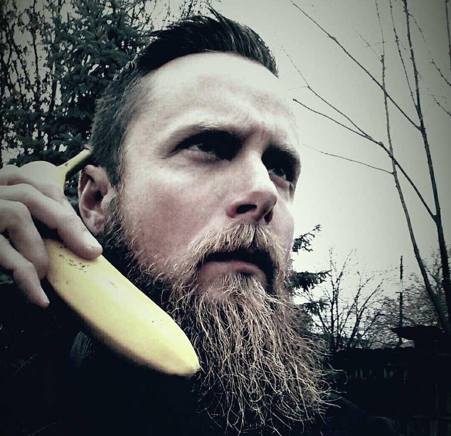 ERIC (FRENCHY) - Bar Tender Extraordinaire   Banana   Metal Head   Berzerker