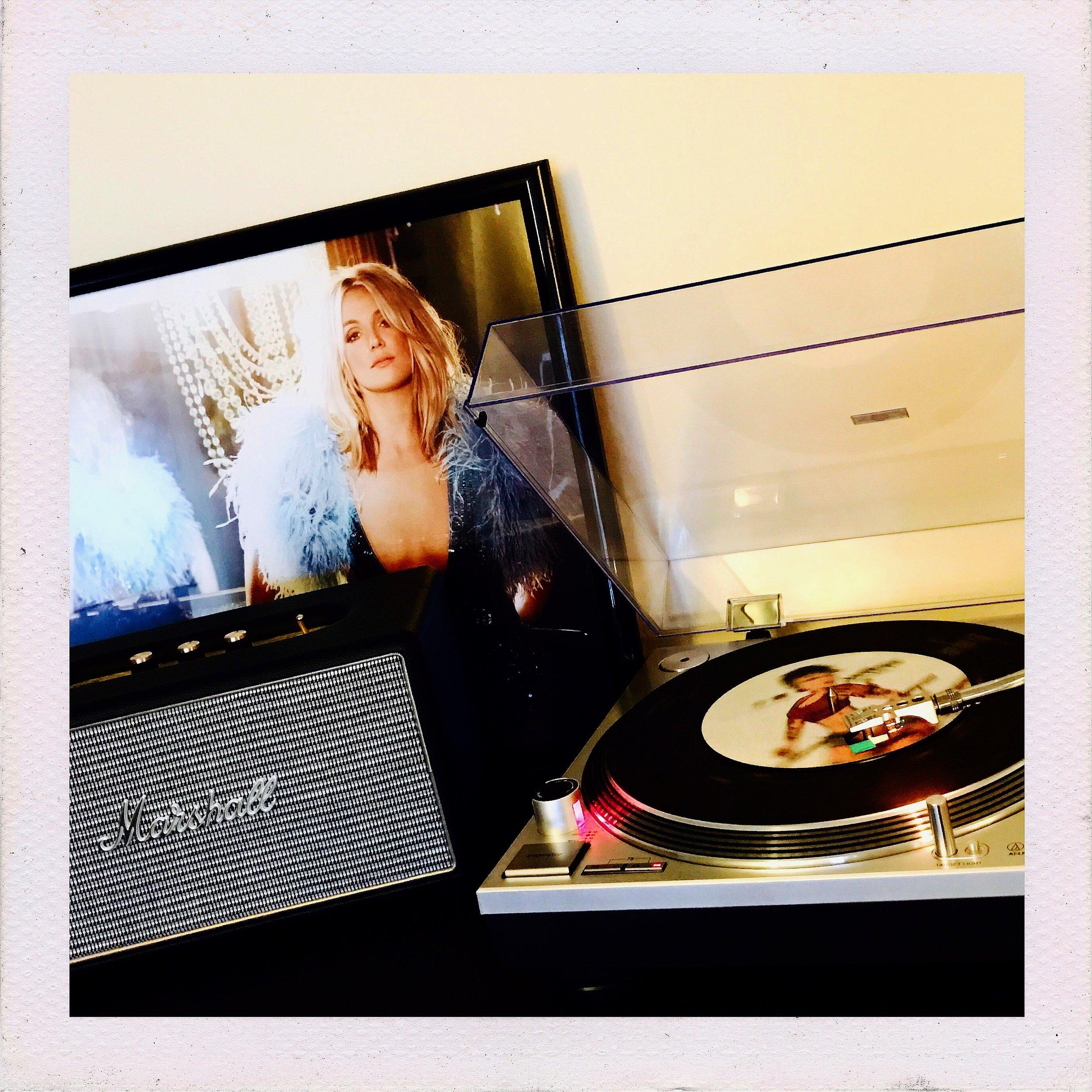 "Kehlani 7"" vinyl spinning on my setup.  Instagram: @DerekPlease"