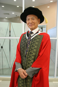 Dr John yip soon kwong - honorary doctor of letters