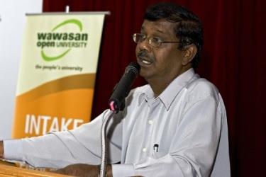 Penang Regional Office Director K Manoharan gives his welcoming speech.