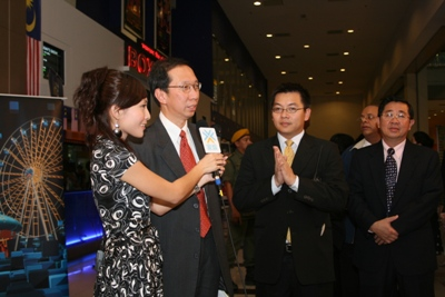 YAB Tan Sri Dr Koh Tsu Koon speaks about WOU and the movie at a programme produced by Jia Yu Home Entertainment.