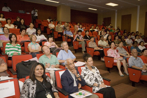 WOU VIce Chancellor Tan Sri Emeritus Prof Gajaraj Dhanarajan (foreground, 2nd from left) among the audience.